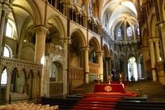 im-chorraum-der-kathedrale