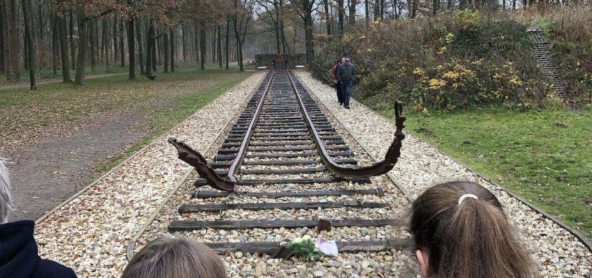 Fahrt Der NL-Kurse Der Klassen 9 Und 10 Nach Westerbork